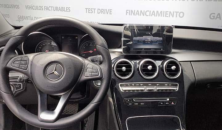 Facturable, Cámara de retroceso & sensores de estacionamiento, Apple Car Play & Android Auto, Función HOLD, Faros LED, Dynamic Select.