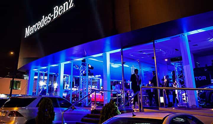 Mercedes-Benz inaugura moderno showrrom