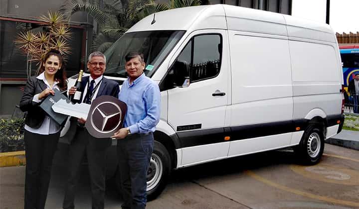 Entrega de 05 nuevos Sprinter Mercedes-Benz a la empresa Servicios Servial S.A.C.