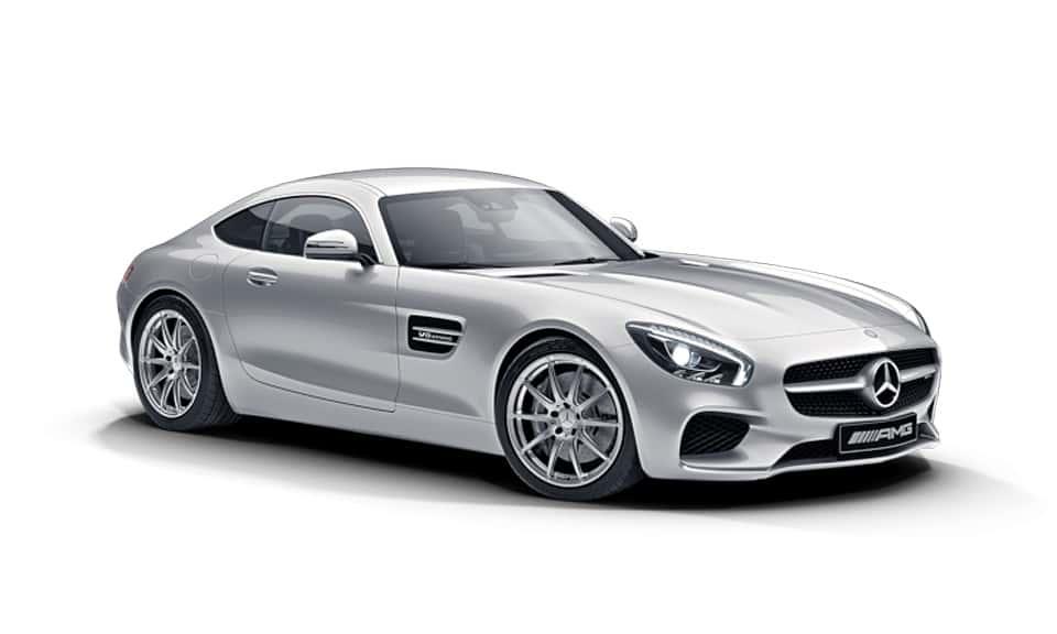 Ya está aquí. La declaración de principios de Affalterbach. Su capó largo, un habitáculo en posición muy atrasada y una zaga ancha y poderosa describen las proporciones básicas de un automóvil deportivo de Mercedes-AMG. Su mirada acechante a poca altura sobre el suelo es reflejo de un ímpetu irrefrenable. Dos modelos disponibles: Mercedes-AMG GT y Mercedes-AMG GT S.